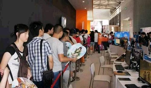 7月27日,ChinaJoy 2017在上海新国际博览中心盛大开幕。ChinaJoy 目前已经成功举办了15届,历经多年的发展,它已经成为中国最具影响力的泛娱乐盛会,备受游戏玩家的喜爱与关注。